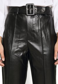 Missguided Petite - BELTED SEAM DETAIL TROUSER - Trousers - black - 5