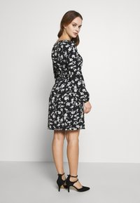 Wallis Petite - CLUSTER CHERRY BLOSSOM DRESS - Day dress - black - 2