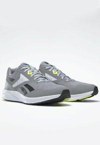 Reebok - REEBOK RUNNER 4.0 SHOES - Zapatillas de running estables - grey - 2