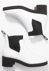 Camper - Classic ankle boots - white/black - 3