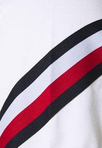 Tommy Hilfiger - SLEEVE TAPE - Poloshirt - white - 2