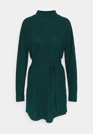 NMCITY AVA SHORT DRESS - Robe pull - ponderosa pine