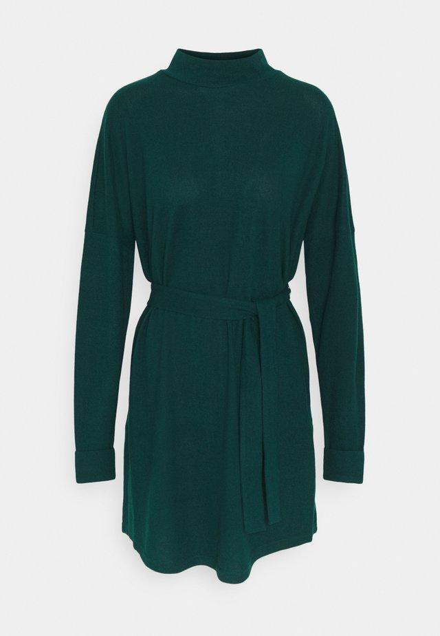 NMCITY AVA SHORT DRESS - Gebreide jurk - ponderosa pine