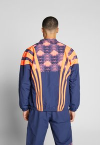 adidas Originals - GRAPHICS SPORT INSPIRED TRACK TOP - Training jacket - blue - 2