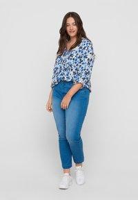 Zizzi - Slim fit jeans - light blue - 0