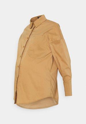 MATERNITY POPLIN DEEP CUFF - Overhemdblouse - sand