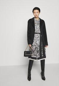 Bruuns Bazaar - POLLY GINA JACKET - Krátký kabát - black - 1