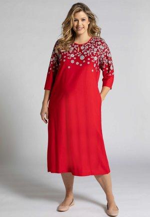3/4-ÄRMEL - Maxi dress - rot