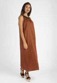mint&mia - Maxi dress - braun - 1