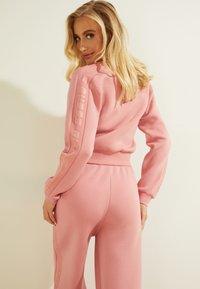 Guess - Zip-up sweatshirt - hellrose - 2
