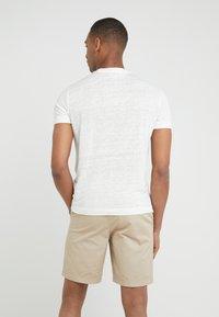 Club Monaco - CREW - Basic T-shirt - pearl - 2