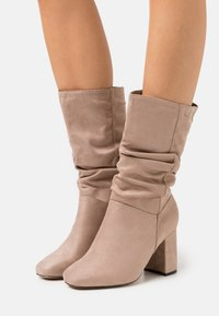 Dorothy Perkins Wide Fit - WIDE FIT BLOCK BOOT - Boots - taupe - 0