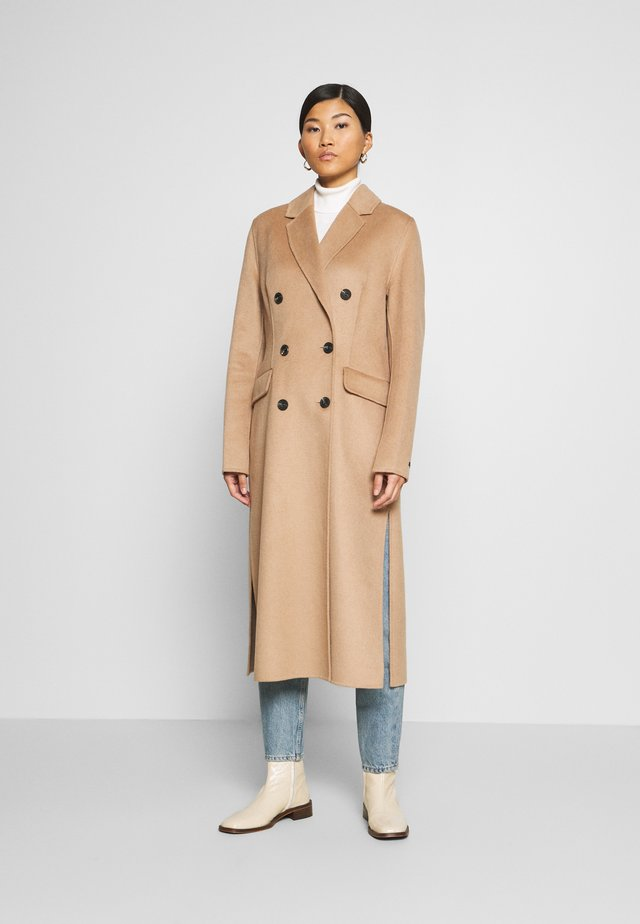 Cappotto classico - camel