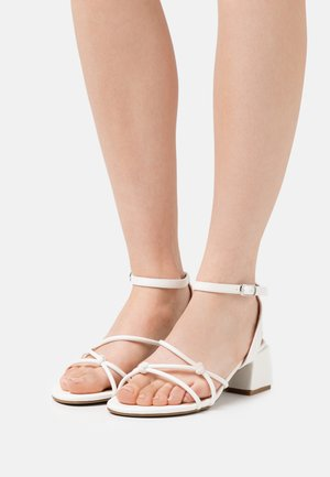 WIDE FIT TENNESSEE - Sandals - white