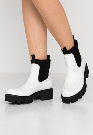 MILEY - Platform ankle boots - white sugar