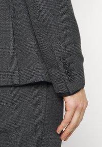Isaac Dewhirst - Oblek - grey - 6