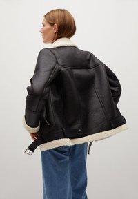 Mango - ADRI-I - Light jacket - schwarz - 2