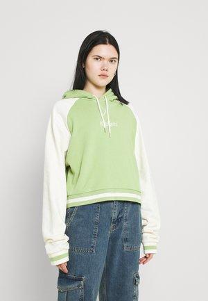 RAGLAN CROPPED HOODIE - Sweatshirt - lime/beige