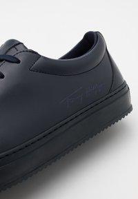 Tommy Hilfiger - WASTE APPLESKIN CUPSOLE - Sneakers basse - desert sky - 5