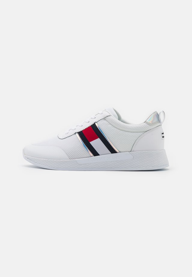 TECHNICAL  - Sneakers laag - white