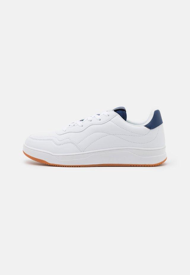 RANDALL  - Tenisky - white/navy