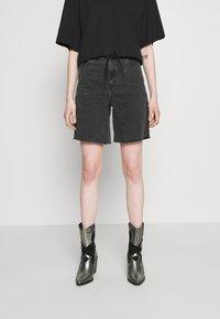 Dr.Denim - MEJA - Shorts di jeans - retro black - 0