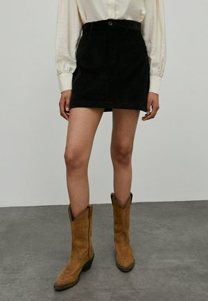 ROCK ASPEN - A-line skirt - schwarz