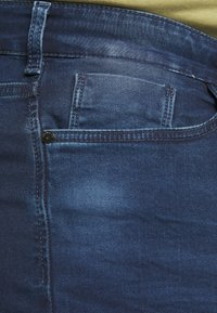 Cars Jeans - TUCKY PLUS - Jeansshort - dark used - 6