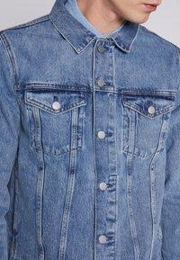 Weekday - SINGLE JACKET - Kurtka jeansowa - blue medium dusty - 3