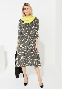 comma - Day dress - khaki - 1