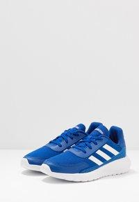 adidas Performance - TENSAUR RUN UNISEX - Hardloopschoenen neutraal - royal blue/footwear white/bright cyan - 3