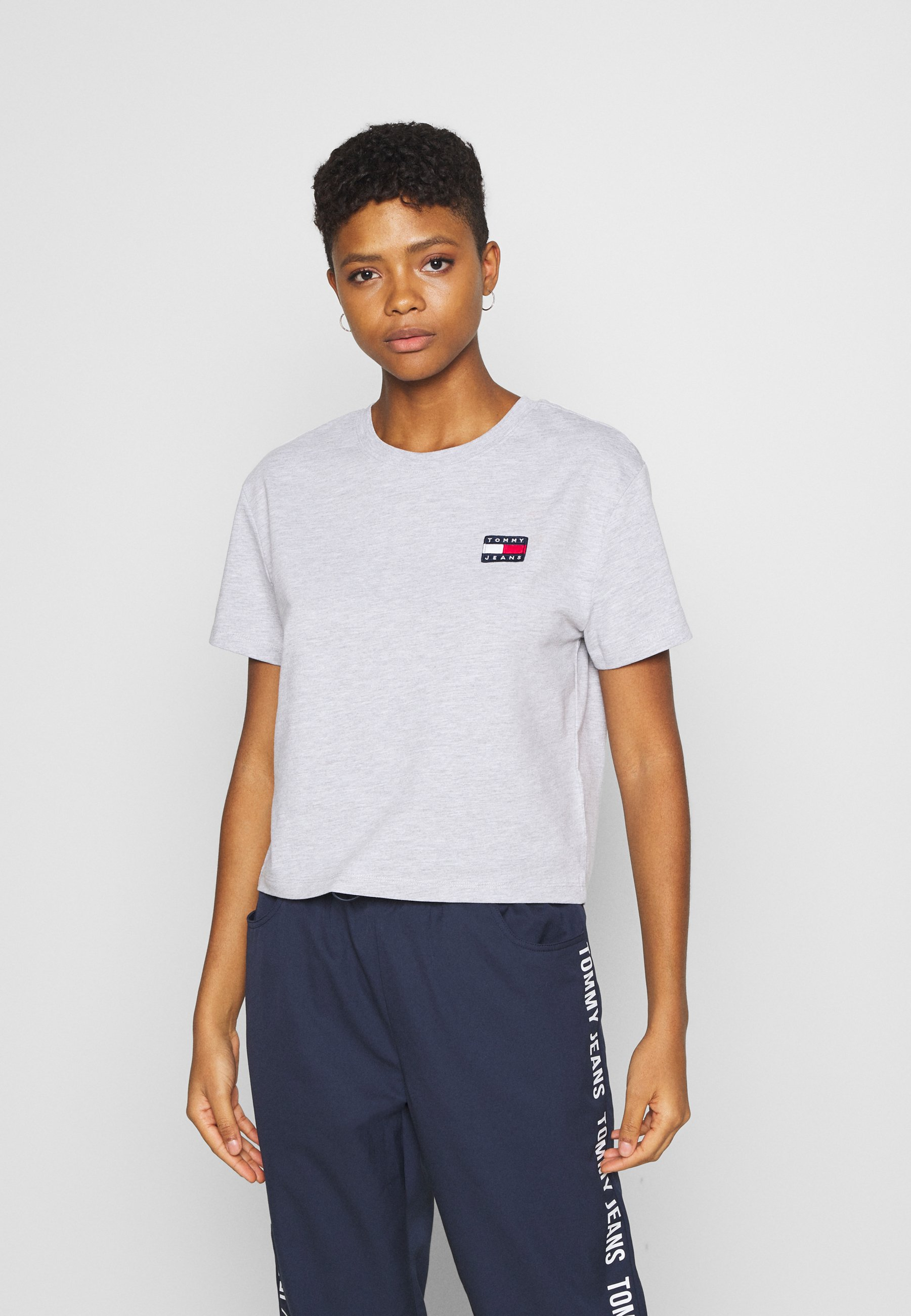 Damen BADGE TEE - T-Shirt basic