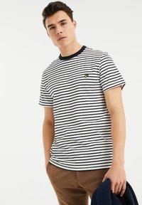 WE Fashion - MET STREEPDESSIN - Print T-shirt - white - 3