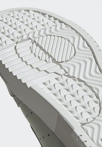 adidas Originals - SUPERCOURT W - Sneakersy niskie - ashsil/ashsil/crywht - 10