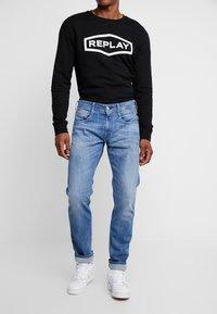 Replay - ANBASS - Straight leg jeans - medium blue - 0