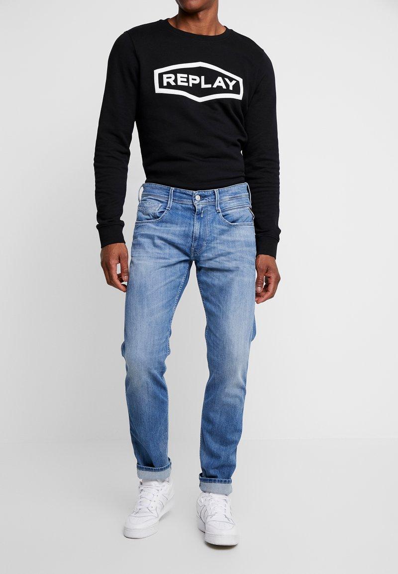 Replay - ANBASS - Straight leg jeans - medium blue