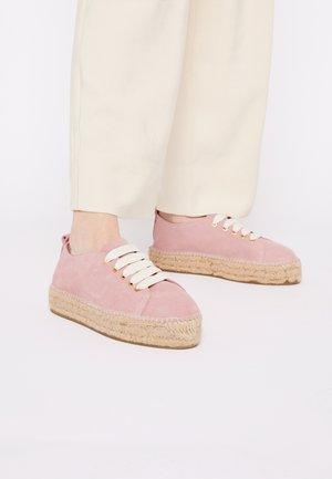 Volnočasové šněrovací boty - tuscany