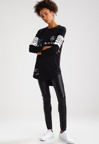 Vero Moda - Leggings - black - 1
