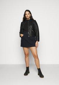 Calvin Klein Jeans Plus - HIGH RISE MINI SKIRT - Mini skirt - black denim - 1