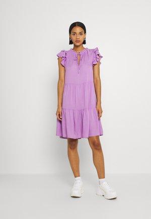 PCTERESA DRESS - Freizeitkleid - sheer lilac