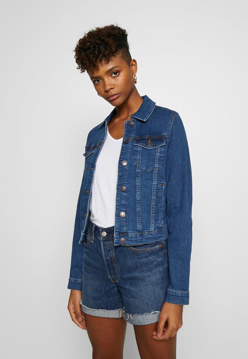 Vero Moda - VMULRIKKA JACKET MIX  - Denim jacket - medium blue denim
