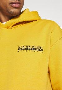 Napapijri The Tribe - YOIK UNISEX - Luvtröja - yellow solar - 7
