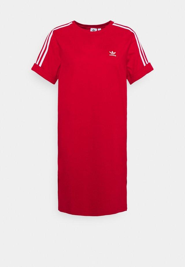 TEE DRESS - Robe en jersey - scarlet