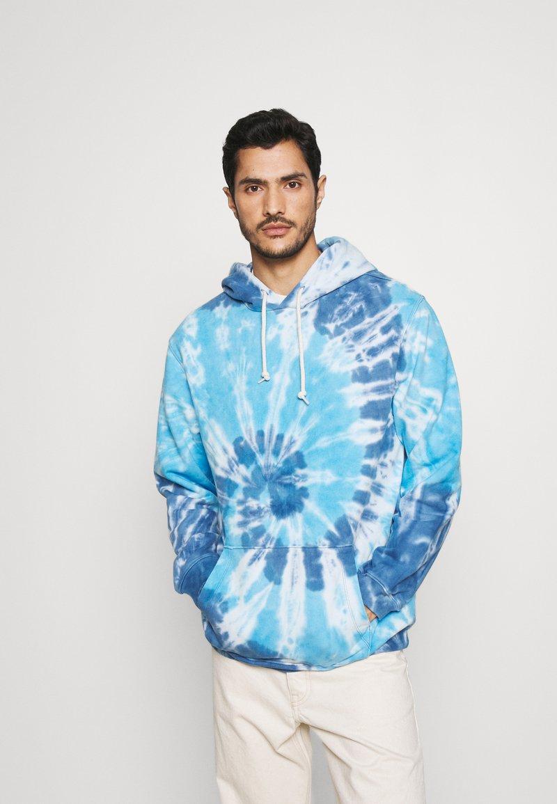 GAP - TIE DYE HOOD - Sweatshirt - blue