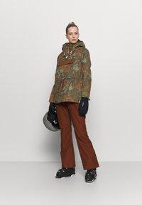 Rojo - BAILEY JACKET - Snowboard jacket - military olive - 1