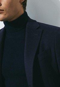 Massimo Dutti - Short coat - dark blue - 4