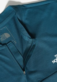 The North Face - M ACTIVE TRAIL POLO - T-shirt imprimé - mallard blue - 3