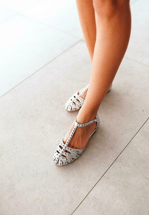 JULIETA - Sandals - plata