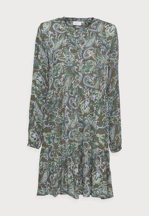EVITY AMBER DRESS - Skjortekjole - green