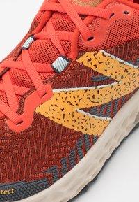 New Balance - HIERRO V6 - Trail running shoes - orange - 5